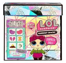 L.O.L. Surprise Zimný nábytok - Zimný salónik s krbom a bábikou Cozy Babe